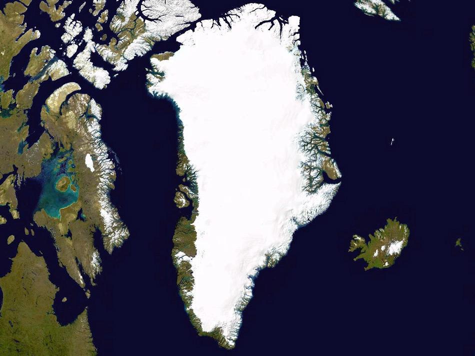 Der grönländische Eisschild ist die zweitgrösste Eisansammlung der Welt- Sie erstreckt sich nordsüdwärts über 2'500 km und ist1'100 km breit. Der Eispanzer bedeckt rund 82% der Insel Grönland und erhebt sich bis zu 3 km in die Höhe. Dies macht aus der Überquerung schon beinahe eine Hochgebirgsexpedition. Bild: Michael Wenger